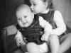 Baby mit kleiner Schwester by Santina Bregenz